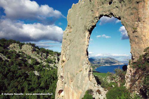 Cala Gonone - Arcu de Lupiru